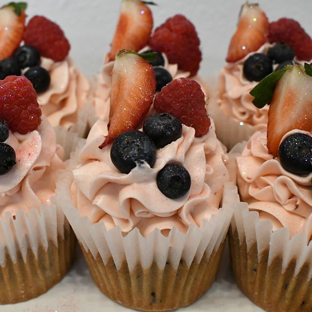 Find Treats at Sweet Dee's Cupcakery and Custom Cakes